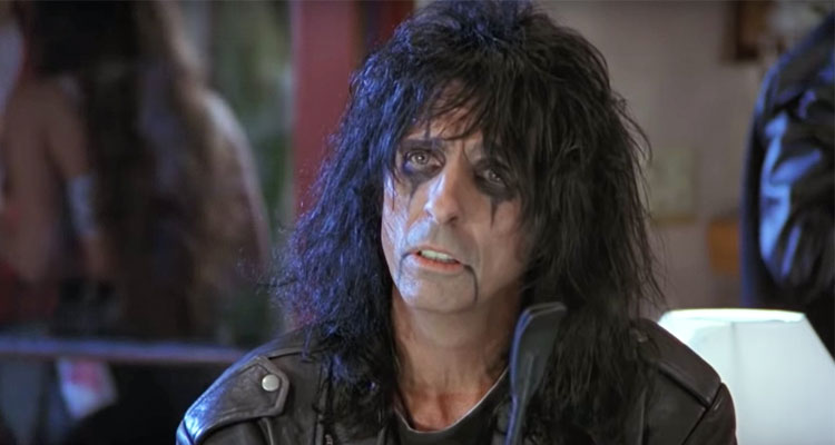 """Celebrate our 5,000th post with Alice Cooper saying """"Mill-e-wah-que"""" 5,000  times"""